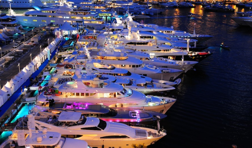 Night-view-of-the-Monaco-Yacht-Show-2009